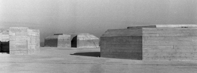 Pillboxok a tengerparton.  Normandia.  1943. január