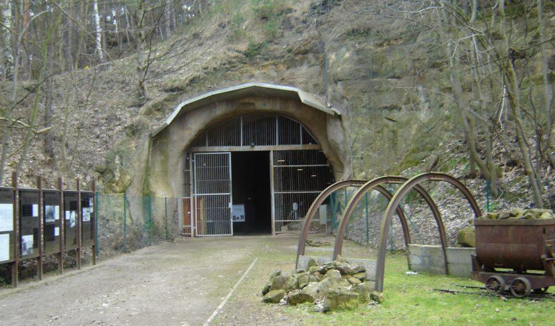 Вход в туннель концлагеря Лангенштейн-Звиберге.