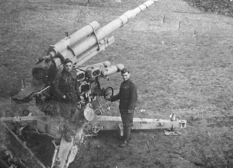 Зенитное 88-мм орудие повстанцев. Сентябрь 1944 г.