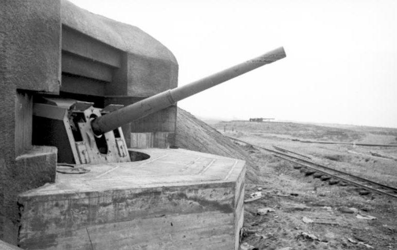 Normandiai parti akkumulátor.  1944 g.