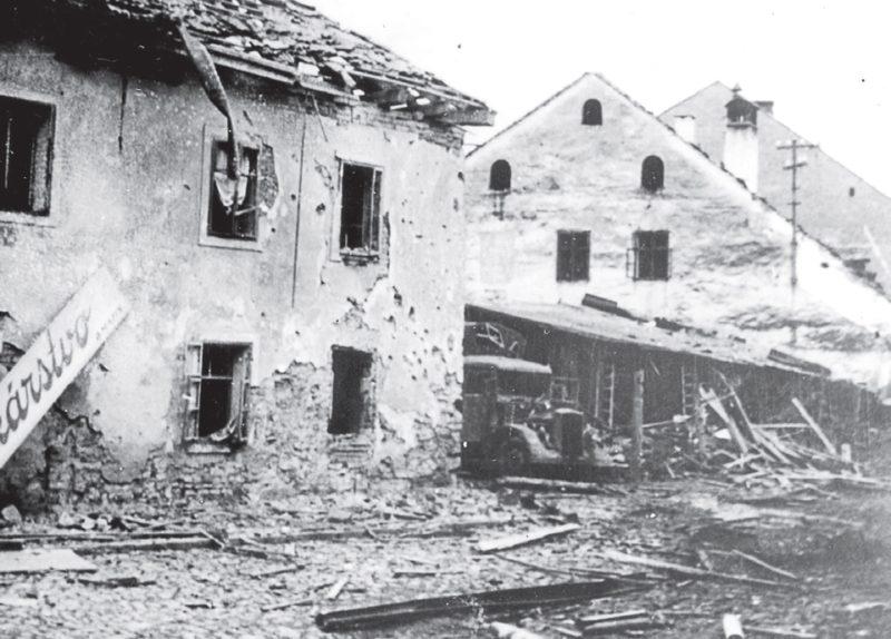 Разрушения после бомбардировки союзников. Банска Быстрица, 18 октября 1944 г.