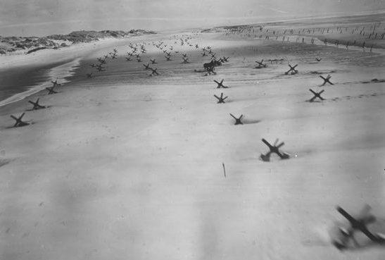 Páncéltörő Normandiában.  1944 g.