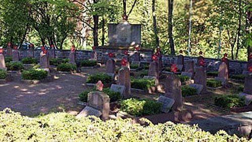 г. Эйслебен. Военное кладбище, где похоронено 42 советских воинов.