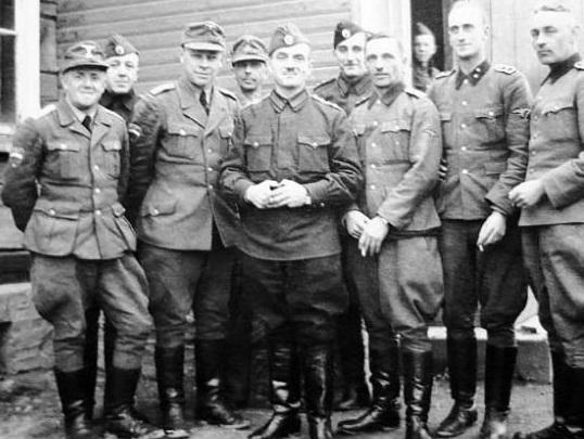 Офицеры бригады.