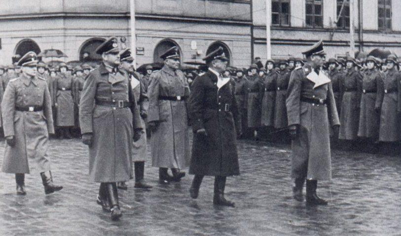 Прием новобранцев в Латвийский легион на Купольной площади. Март 1943 г.