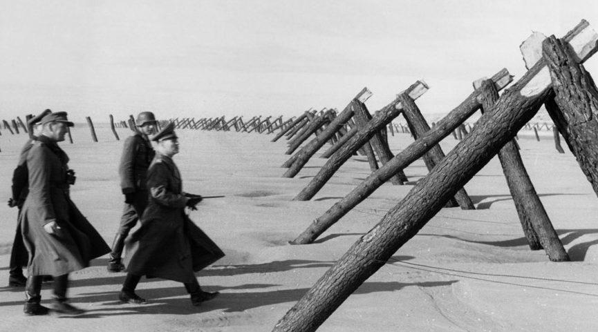 Rommel vizsgálata a parti antiamfibikus védelemről.  1944 g.