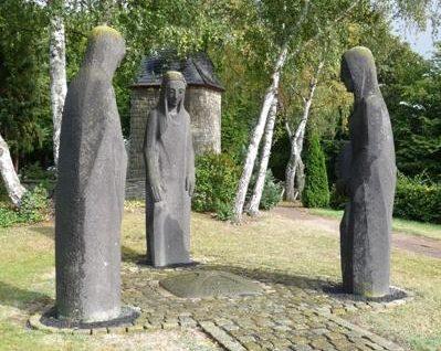 Коммуна Лангервеэ. Памятник землякам, погибшим в обеих мировых войнах.