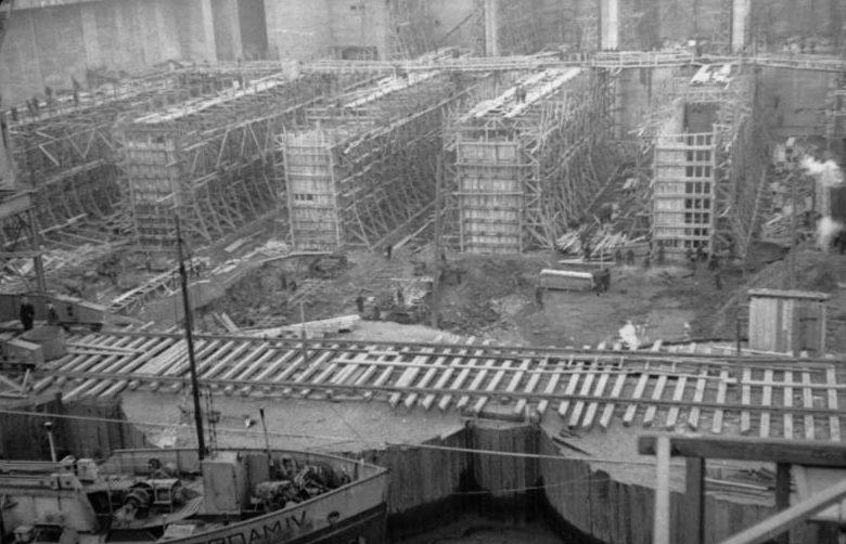 Строительство бункера «Keroman III».