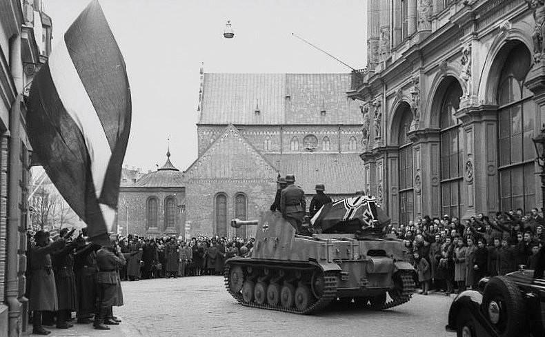 Похороны латвийского полковника Вольдемараса Вейса. 1944 г.