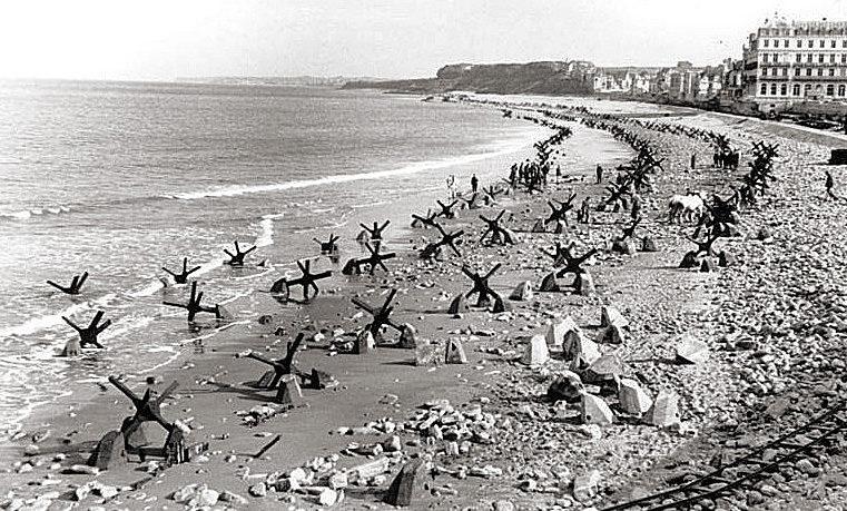 Прибрежные заграждения. Па-де-Кале. Франция. 1944 г.