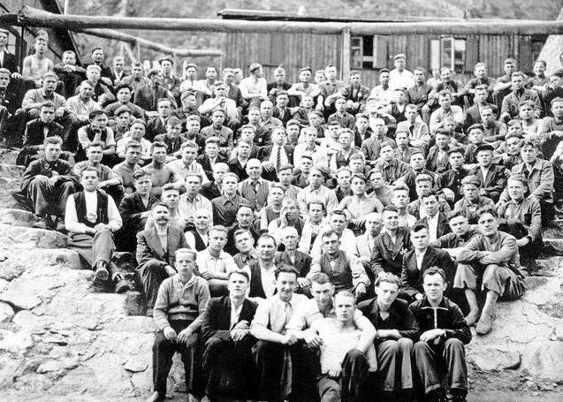 Остарбайтеры в лагере для пленных в г. Ордалштанген. Норвегия. 1945 г.