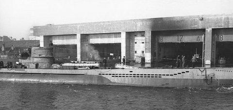 Немецкие подлодки у бункера «Сен-Назер». 1943 г.