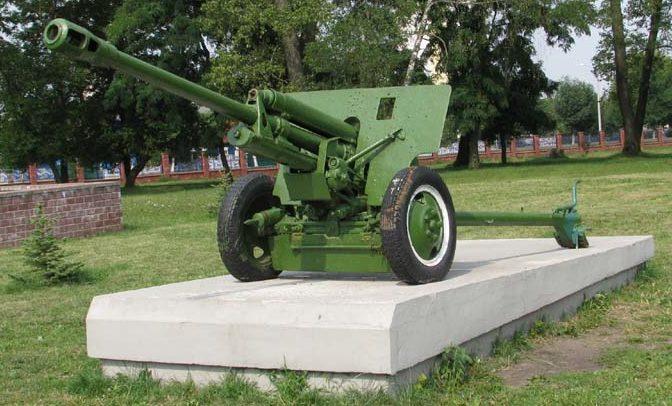 76-мм дивизионная пушка ЗИС-3.