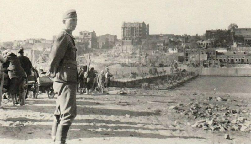 Понтонная переправа через Дон, сооруженная немцами. Август 1942 г.