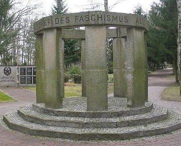 г. Людвигсфельде. Памятник, посвященный жертвам фашизма.