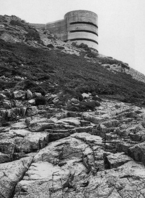 113-as kilátó a Csatorna-szigeteken.  1944 g.