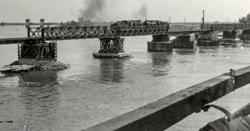Восстановленный ж/д мост. Август 1942 г.