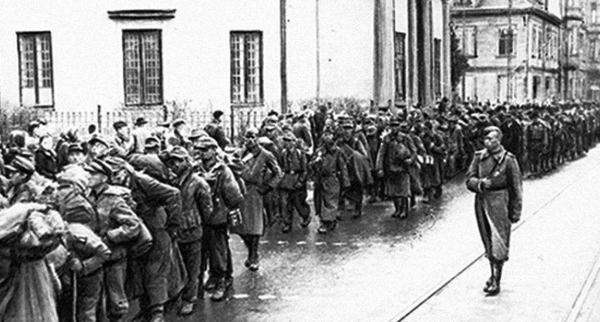 Немецкие военнопленные. Май 1945 г.