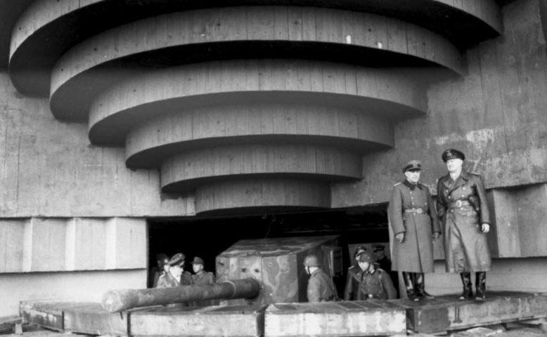 Инспекция командованием береговой батареи. 1944 г.