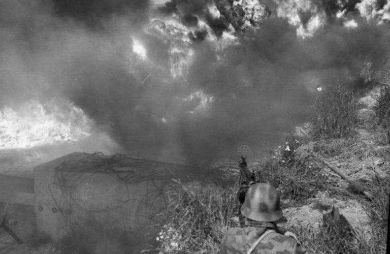 Бой на пляже. Нормандия. Июнь, 1944 г.