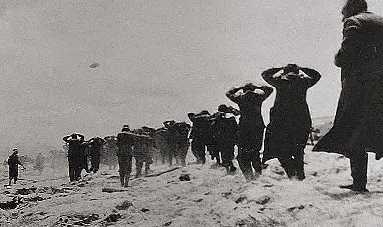 Первые немецкие пленные в Нормандии. 1944 г.