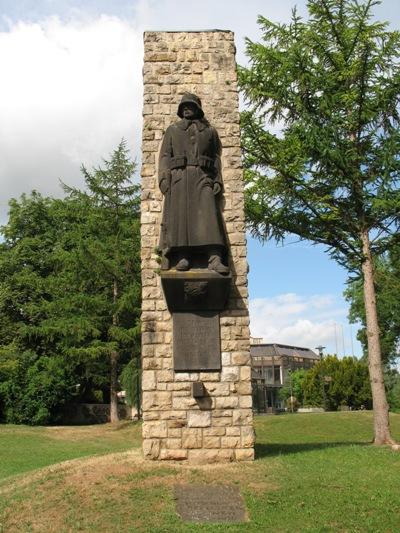 г. Герольштайн. Памятник землякам, погибшим во время обеих мировых войн.
