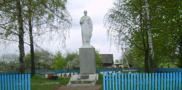 д. Ходевичи Слонимского р-на. Памятник советским воинам.