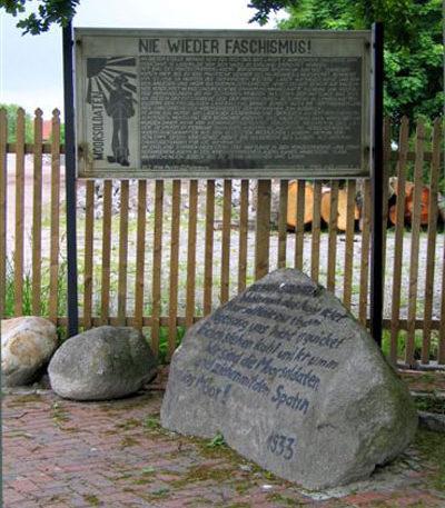 д. Бёргермур. Памятный знак на месте концлагеря «Emslandlager I», в котором погибло 237 человек.