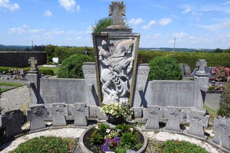Коммуна Миттельштриммиг. Памятник землякам, погибшим во время обеих мировых войн.