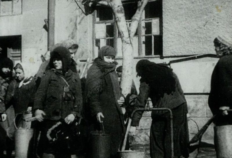 Возобновление работы городского водопровода. Март 1943 г.