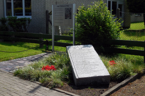 г. Вильгельмсхафен. Памятный знак на месте концлагеря Шварцер Вег, где погибло 199 человек.