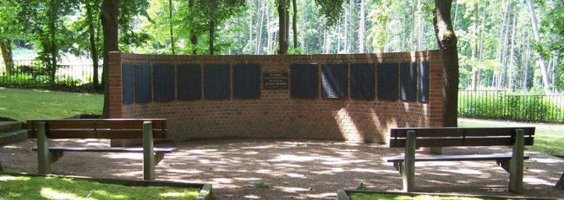 г. Рёденталь. Памятник на месте захоронения советских военнопленных и подневольных рабочих.