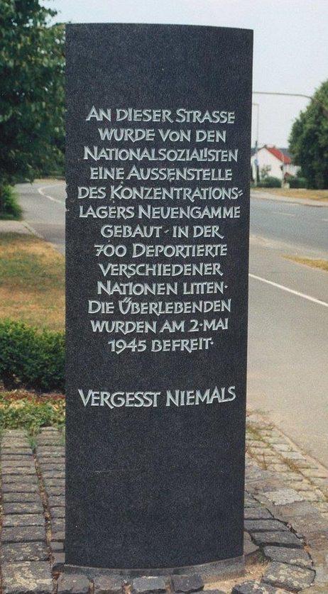 г. Вольфсбург. Памятный знак на месте Лагердского концлагеря, в котором содержалось 800 заключенных, занятых производством ракет V1.