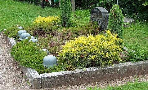 п. Херда. Братская могила немецких солдат.