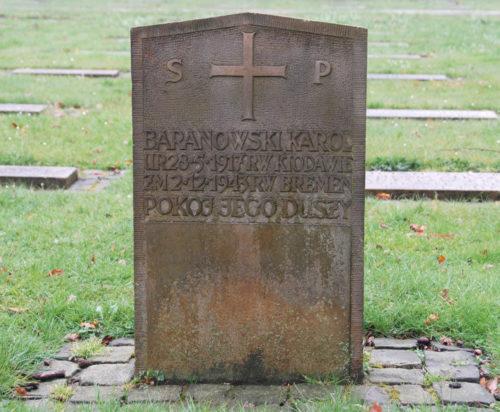 Памятники на братских могилах польских и советских подневольных рабочих.
