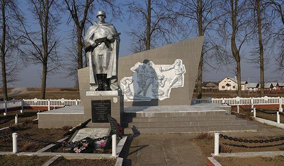 Агрогородок Словатичи Зельвенского р-на. Мемориал советским воинам.