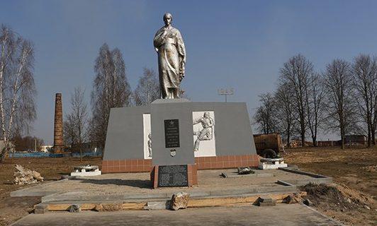 д. Теглевичи Зельвенского р-на. Памятник землякам, погибшим в годы войны.