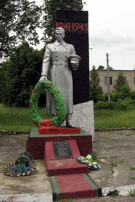 д. Тулово Зельвинского р-на. Памятник советским воинам.