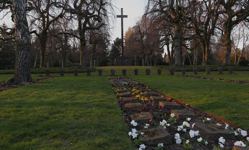 г. Гамбург-Альтона. Кладбище, где захоронены жертвы бомбардировок и концлагерей.
