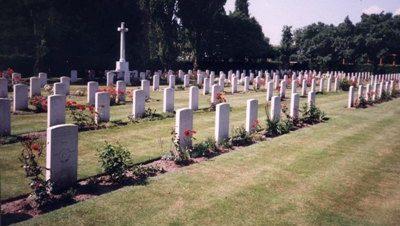 г. Целле. Кладбище, где захоронено 206 солдат, умерших в 64-м британском военном госпитале.