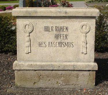 п. Энгерхафе. Памятник на месте массовых захоронений концлагеря «Engerhafe».