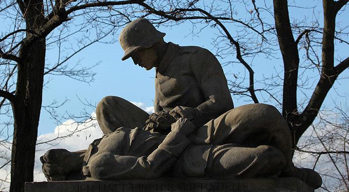 г. Радебург. Мемориал павшим немецким солдатам в городе Радебург в Саксонии.