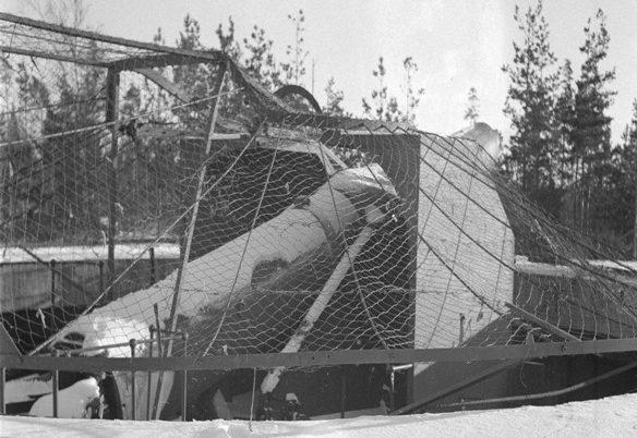 Одно из шести 254-мм орудий форта Сааренпяя у Финского залива.