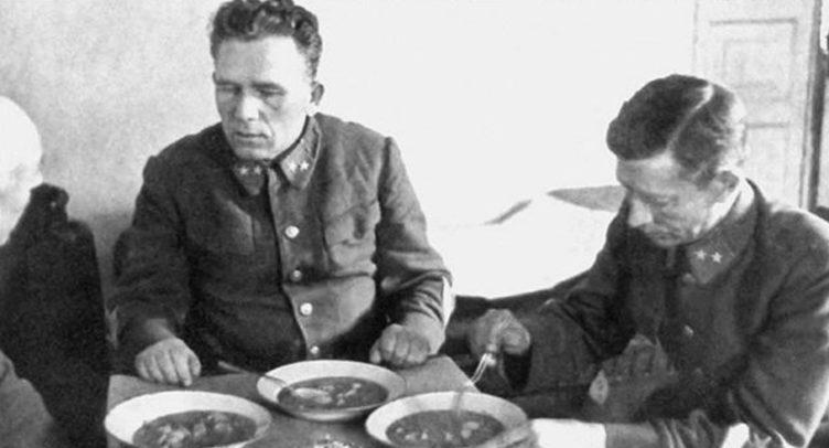 Генеральский обед в плену. Август 1941 г.
