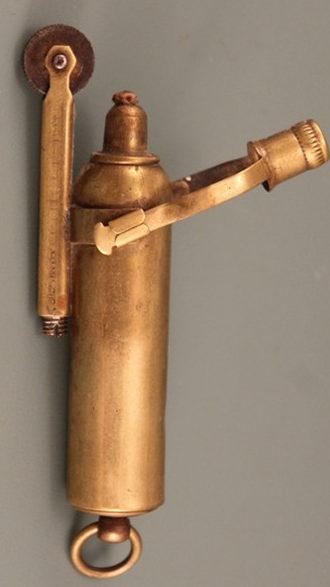 Зажигалка фирмы «IMCO». Модель 1920 года.