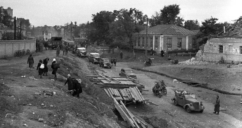 Венгры и немцы входят в Днепропетровск. Сентябрь 1941 г.