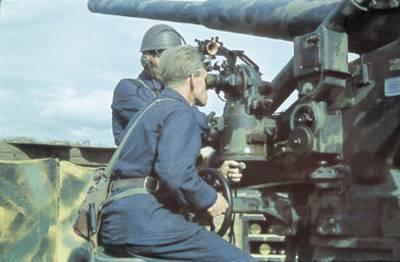 210-миллиметровое орудие М/42 береговой артиллерии. 1944 г.
