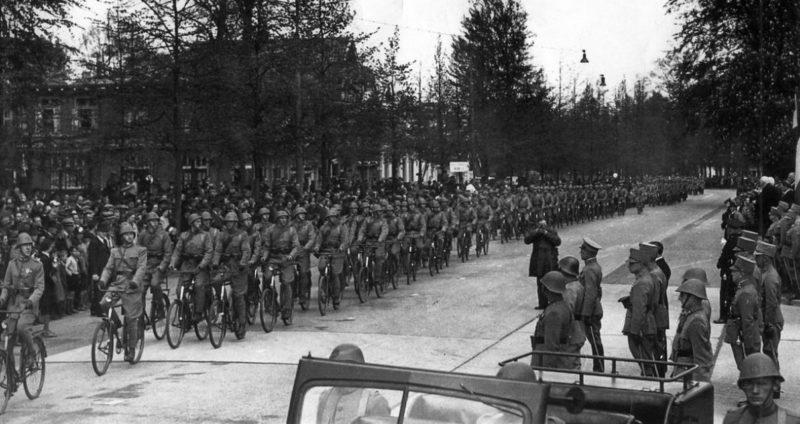 Велосипедисты Королевской армии. 1939 г.