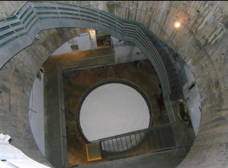 Сегодня вместо орудийной башни - купол музея.