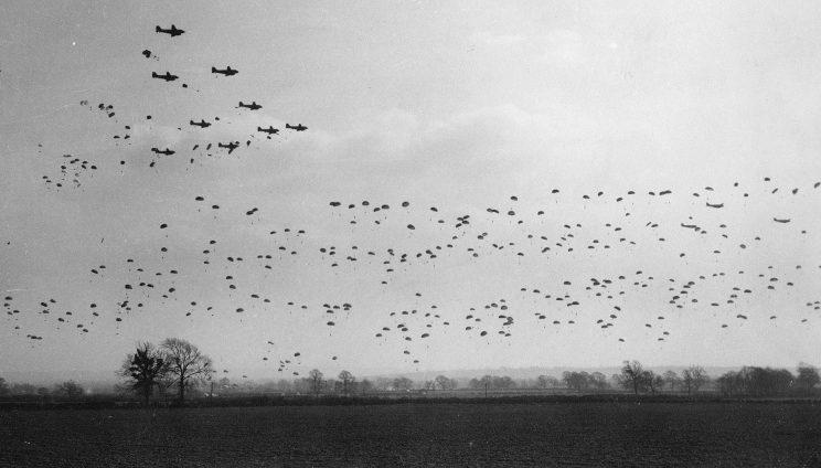 Тренировка десантников в Великобритании во время подготовки высадки в Нормандии. Весна 1944 г.